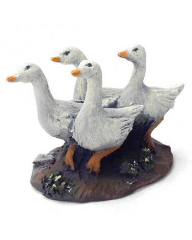 Four gooses 12-16 cm.