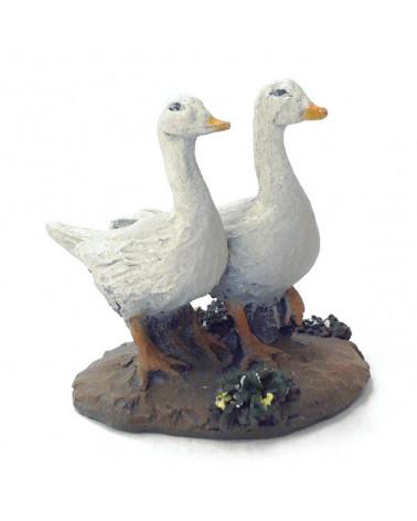 Two gooses 12-16 cm.