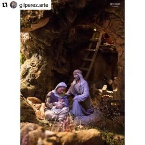 Magnífico Belén de nuestro amigo Jesús Gil.   @gilperez.arte  ・・・  📷 Paco Anguas  #pessebre #figuresdepessebre #belenes #figura #adornosnavidad #christmas #presepe #jesus #MontserratRibes #god #jesuschrist #handmade #followforfollowback #love #likeforlike #nice #navidad #amazing #dios #presepi #art #escultura #photography #virgin #shop #cute #baby #share #belem #merrychristmas