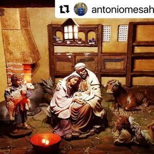 #Repost @antoniomesahernandez55  ・・・   En la posada.  #pessebre #figuresdepessebre #belenes #figura #adornosnavidad #christmas #presepe #jesus #MontserratRibes #god #jesuschrist #handmade #followforfollowback #love #likeforlikes #nice #navidad #amazing #dios #presepi #art #escultura #photography #virgin #shop #cute #baby #share #belem